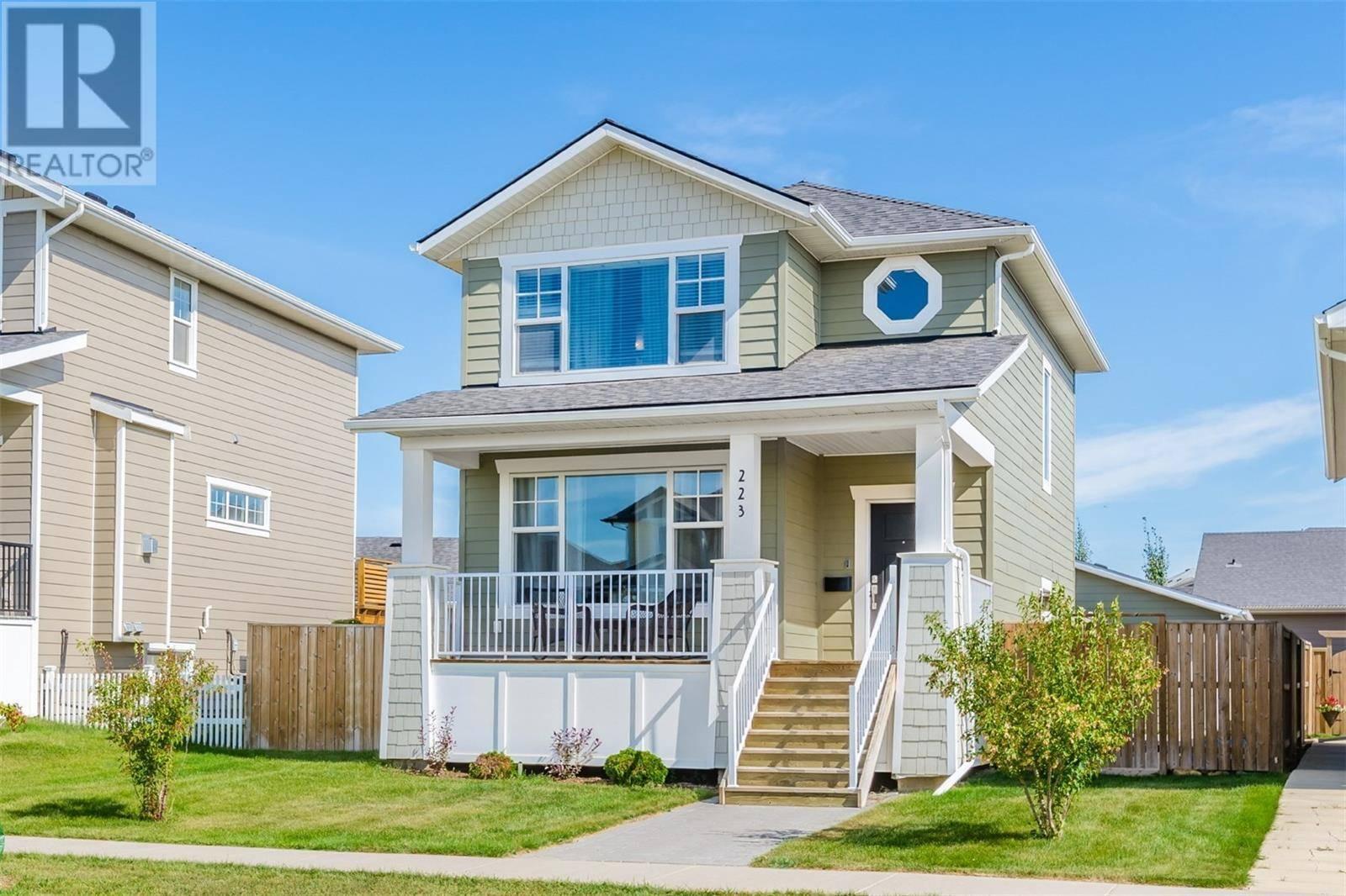 House for sale at 223 Meadows Blvd Saskatoon Saskatchewan - MLS: SK784552