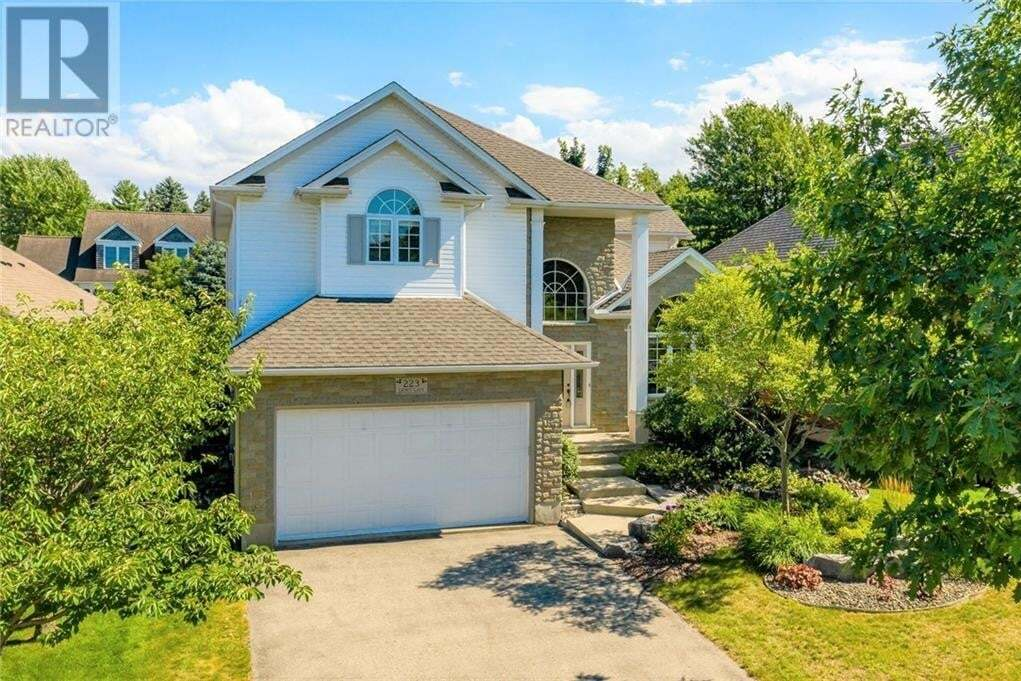 House for sale at 223 The Lions Gt Waterloo Ontario - MLS: 30825994
