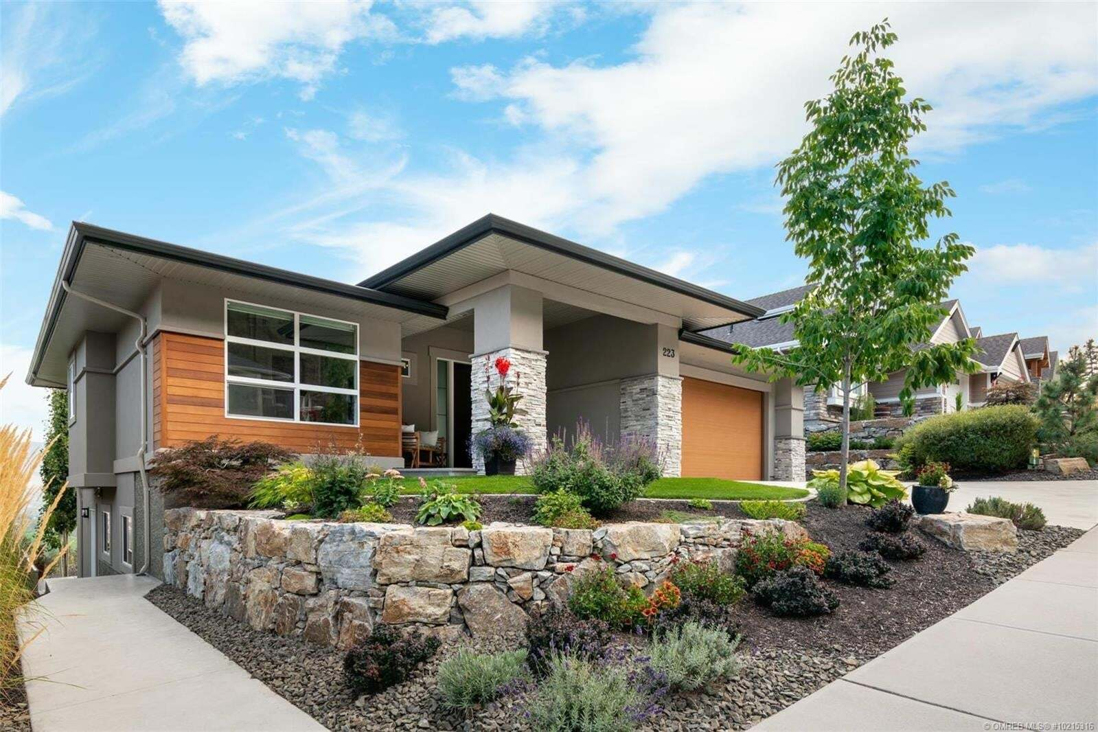 House for sale at 223 Upper Canyon Dr North Kelowna British Columbia - MLS: 10215316