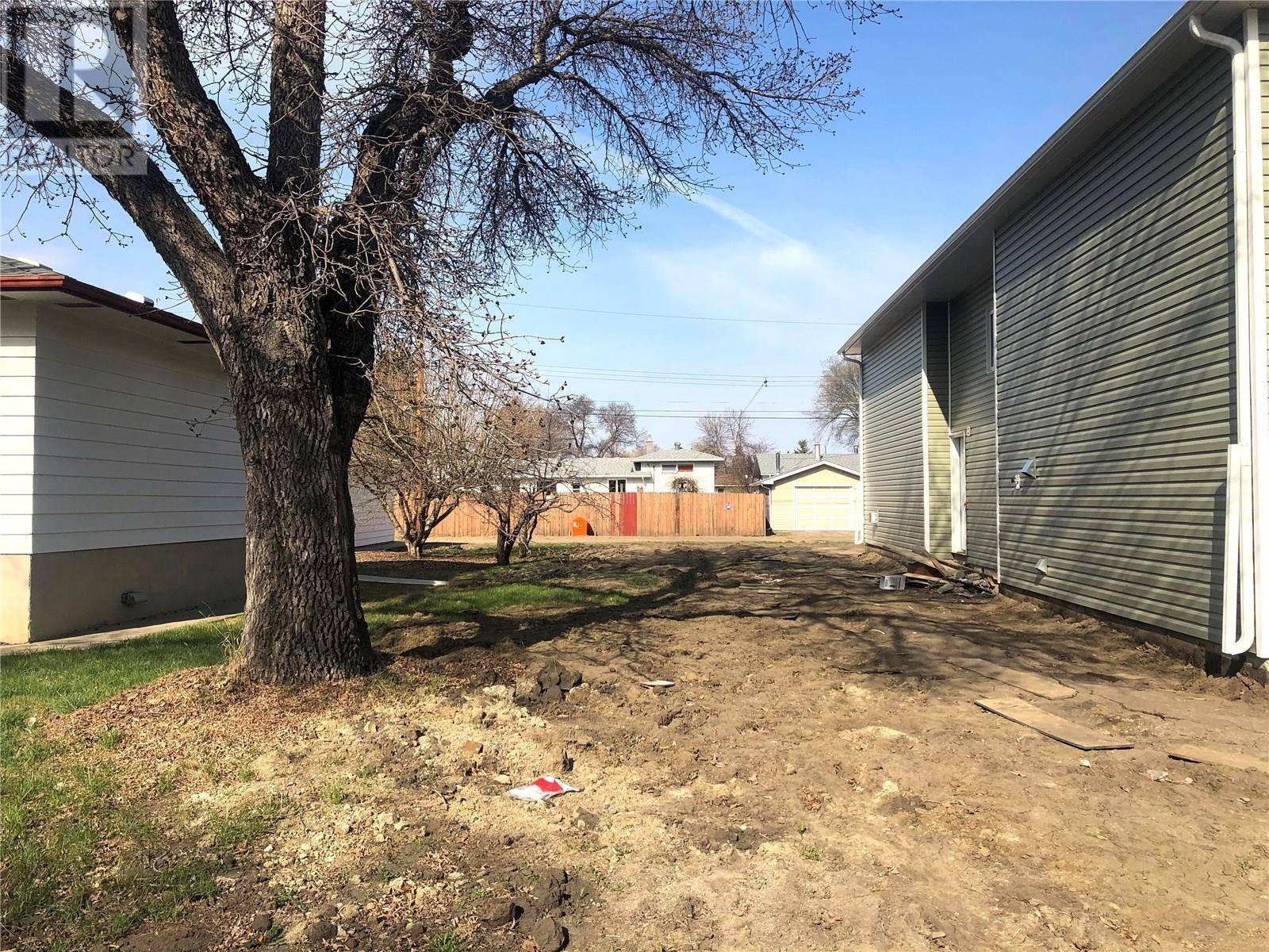 Residential property for sale at 223 X Ave N Saskatoon Saskatchewan - MLS: SK797325