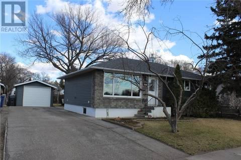 House for sale at 224 13th St NE Weyburn Saskatchewan - MLS: SK803524