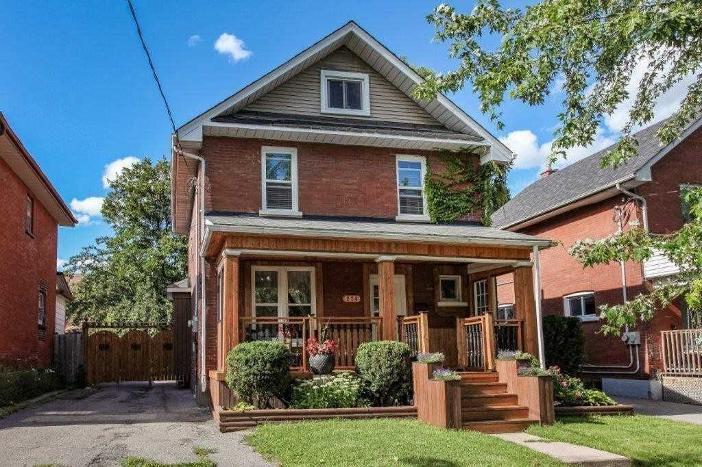 For Rent: 224 Bruce Street, Oshawa, ON | 4 Bed, 2 Bath House for $1950.00. See 3 photos!