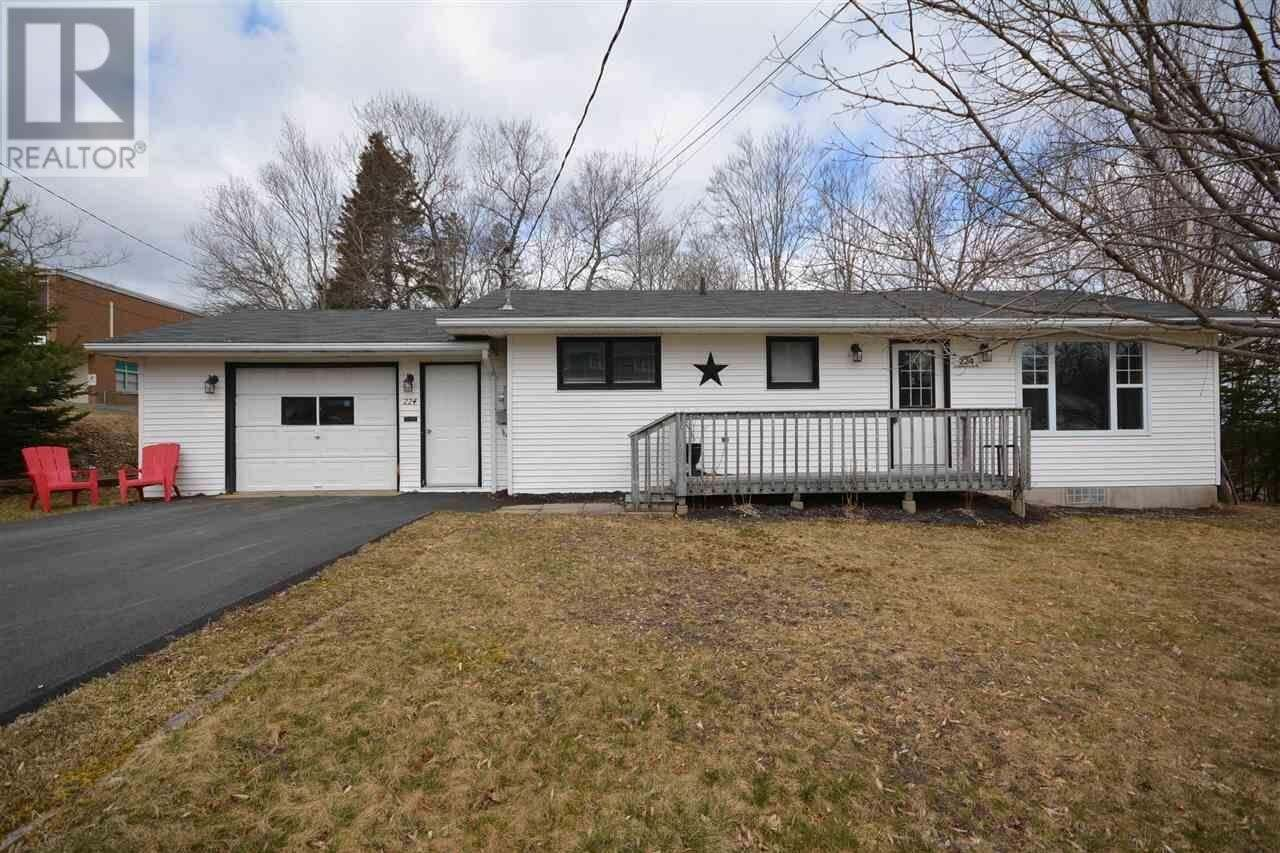 House for sale at 224 Eaglewood Dr Bedford Nova Scotia - MLS: 202004740