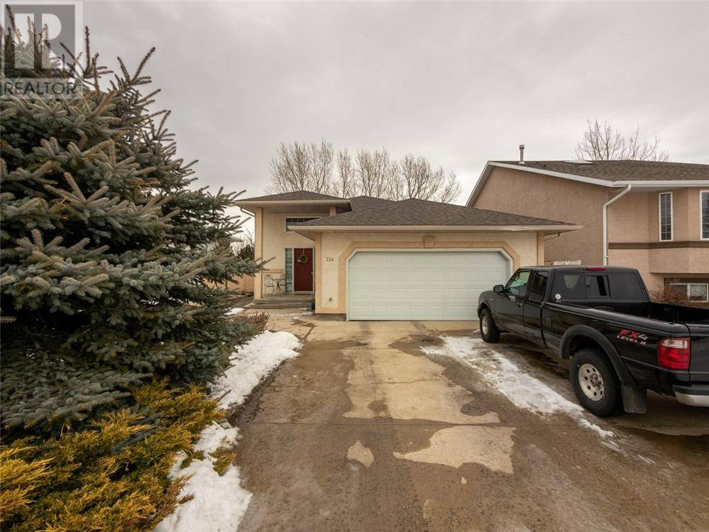 House for sale at 224 Mt Alderson Cres W Lethbridge Alberta - MLS: ld0186373
