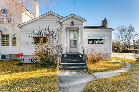 House for sale at 2240 26 St Southwest Calgary Alberta - MLS: C4274970