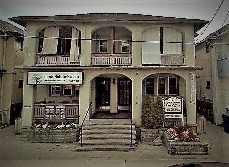Townhouse for rent at 2241 Queen St Toronto Ontario - MLS: E4472080