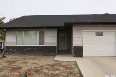 Townhouse for sale at 225 5th Ave W Gravelbourg Saskatchewan - MLS: SK805190