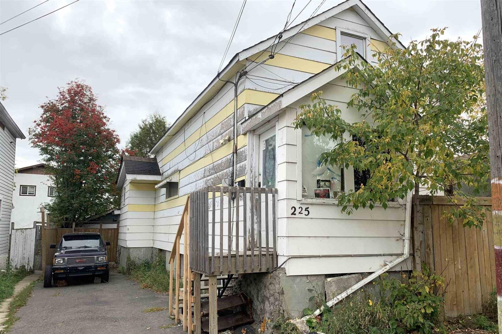 House for sale at 225 Ambrose St Thunder Bay Ontario - MLS: TB202530
