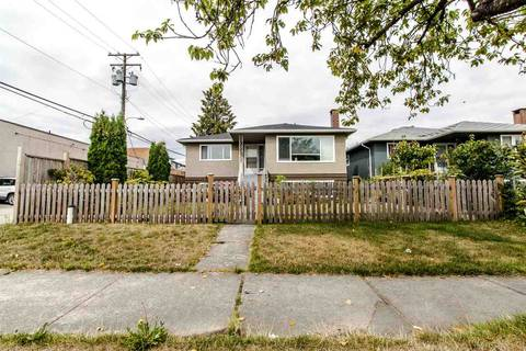House for sale at 225 57 Ave E Vancouver British Columbia - MLS: R2403721