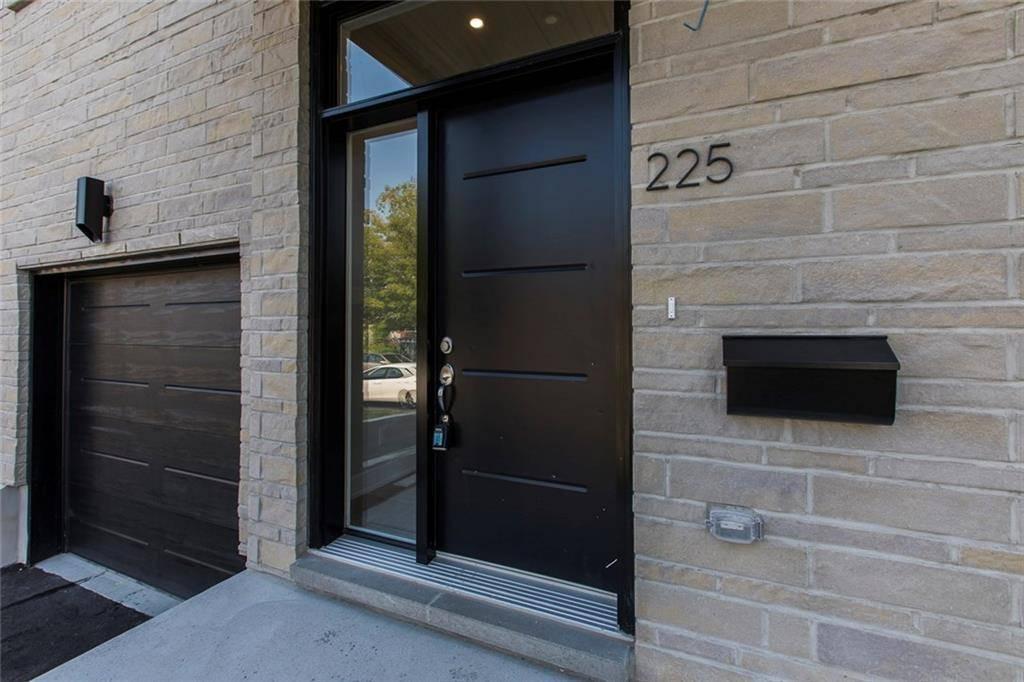 225 Royal Avenue, Ottawa | Image 2