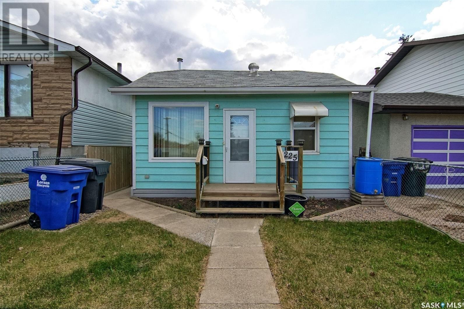 House for sale at 225 U Ave S Saskatoon Saskatchewan - MLS: SK831381