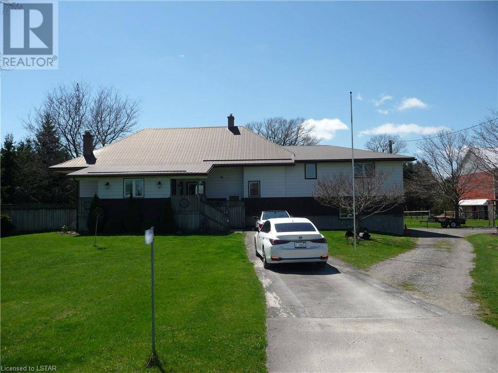 House for sale at 22581 Cherryhill Rd Thorndale Ontario - MLS: 256882