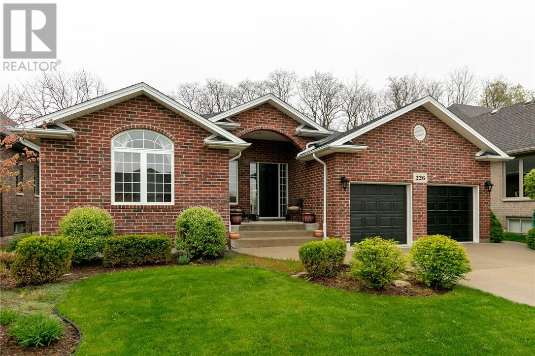 For Sale: 226 Sandybrook Way, Kingsville, ON | 5 Bed, 3 Bath House for $519,900. See 30 photos!