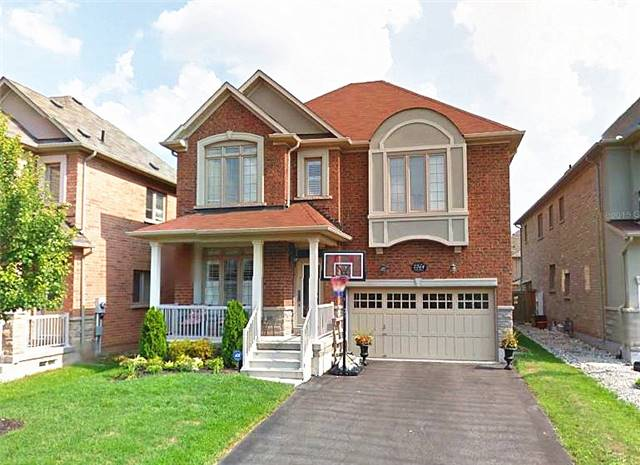 For Rent: 2264 Carm Drive, Oakville, ON | 4 Bed, 5 Bath House for $3,200. See 16 photos!