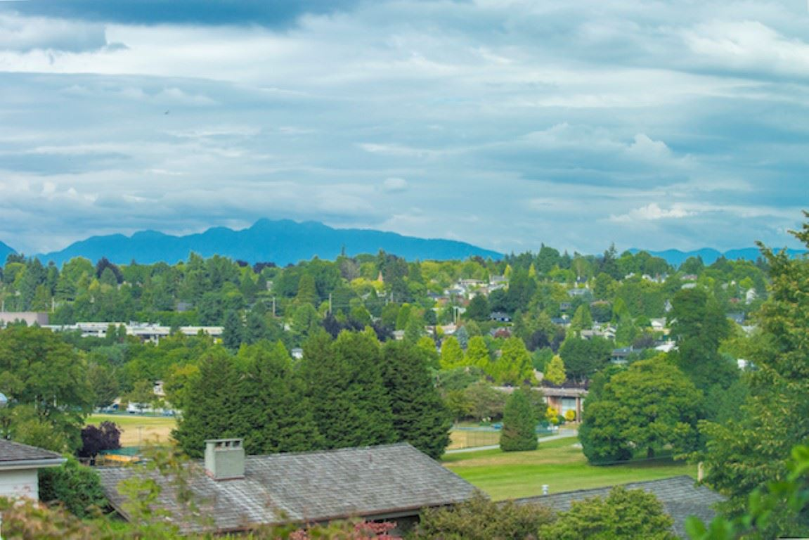 For Sale: 2268 West 32nd Avenue, Vancouver, BC | 7 Bed, 4 Bath House for $4,288,000. See 13 photos!