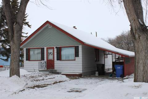 House for sale at 227 3rd Ave W Canora Saskatchewan - MLS: SK803061