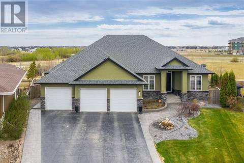 House for sale at 227 Beechdale Ct Saskatoon Saskatchewan - MLS: SK770632