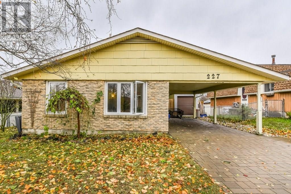 Removed: 227 Blackhorne Drive, Kitchener, ON - Removed on 2018-11-21 04:48:02