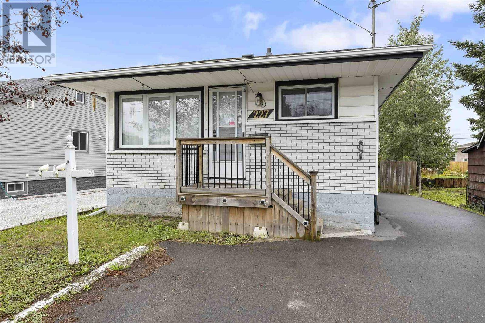 House for sale at 227 Cheshire Rd Sault Ste. Marie Ontario - MLS: SM126603