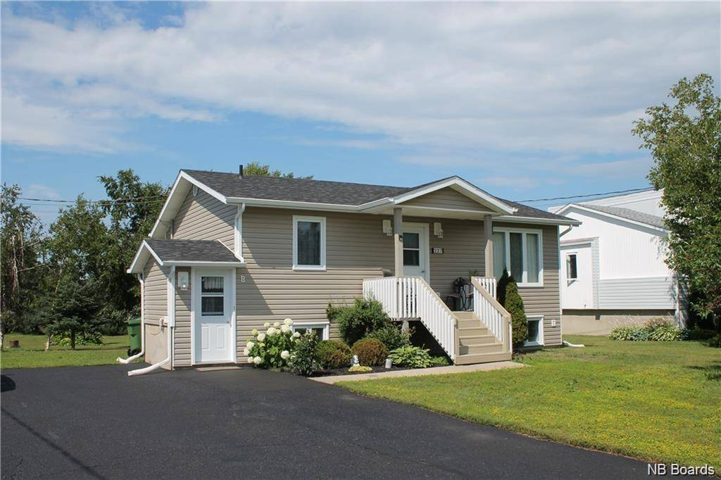 House for sale at 227 Louis  Caraquet New Brunswick - MLS: NB038044