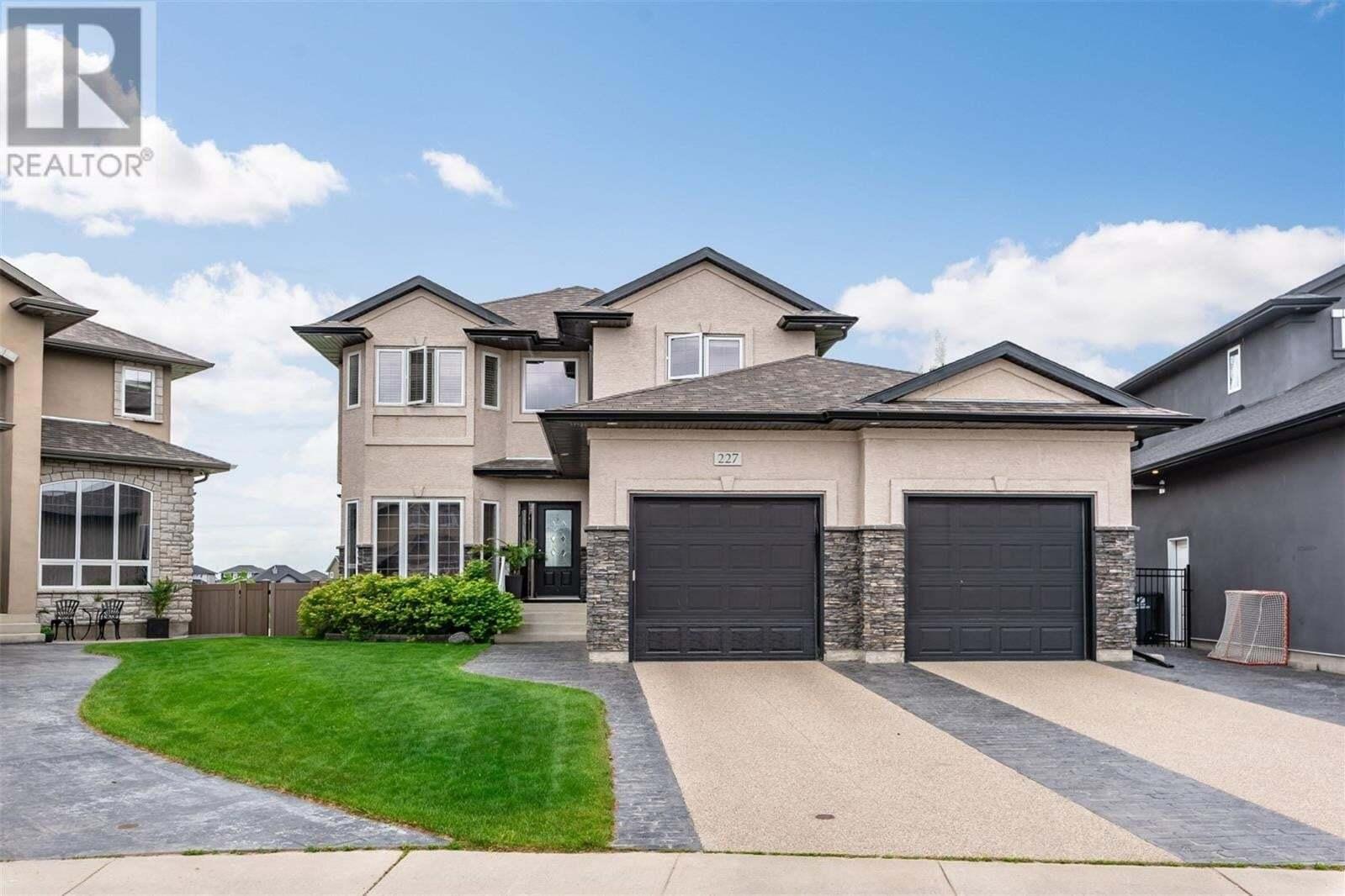 House for sale at 227 Milne Cres Saskatoon Saskatchewan - MLS: SK813695