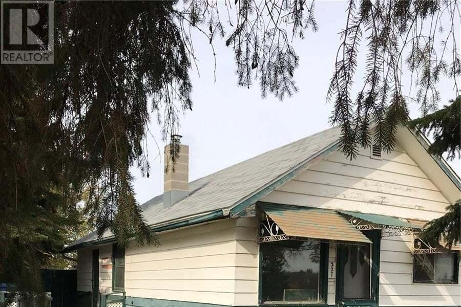 House for sale at 227 P Ave N Saskatoon Saskatchewan - MLS: SK828576