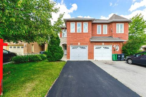 Townhouse for sale at 227 Pressed Brick Dr Brampton Ontario - MLS: W4530579