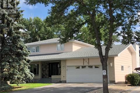 House for sale at 227 Sunset Dr Regina Saskatchewan - MLS: SK763226