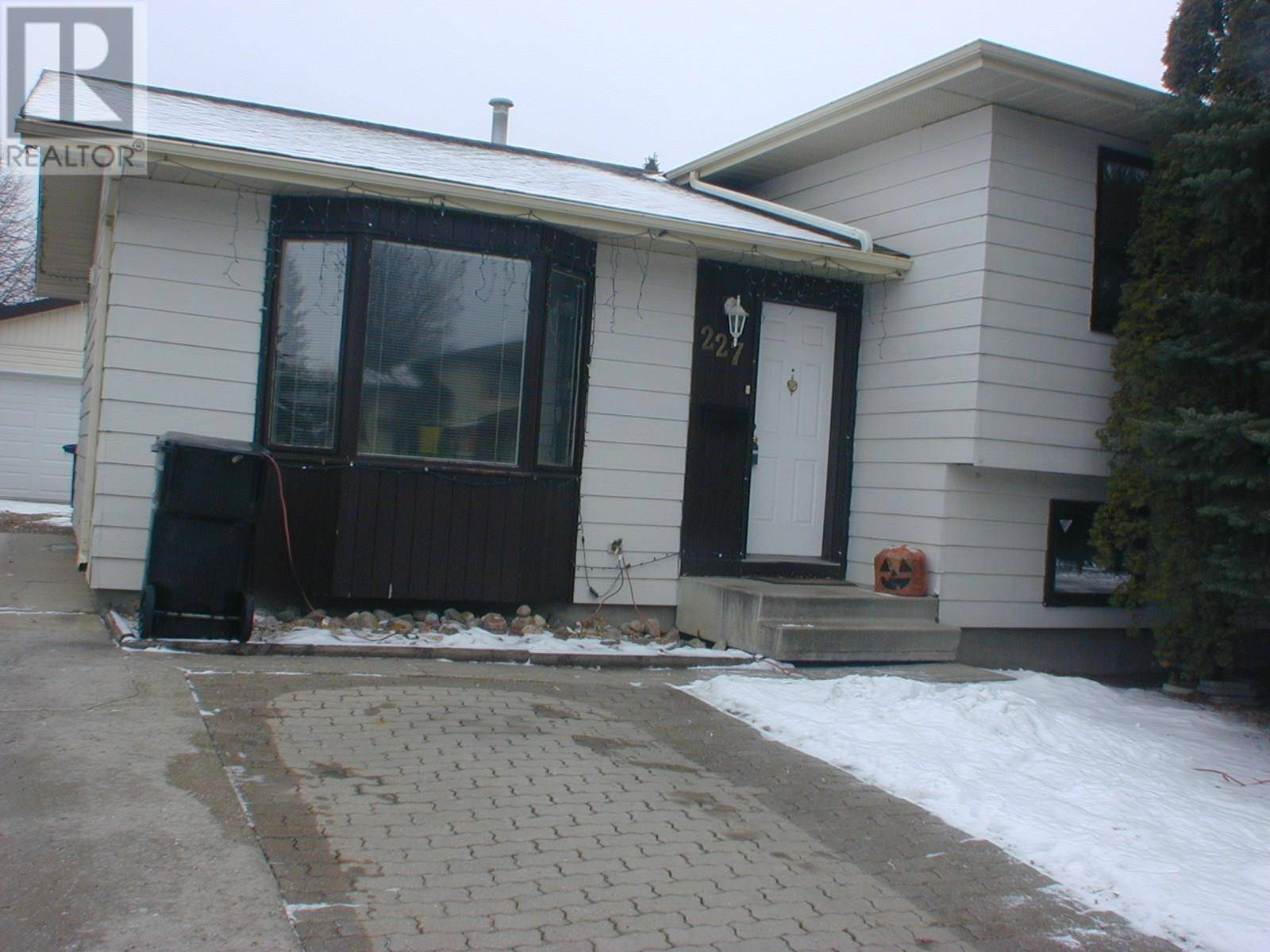 House for sale at 227 Waterbury Rd Saskatoon Saskatchewan - MLS: SK791044