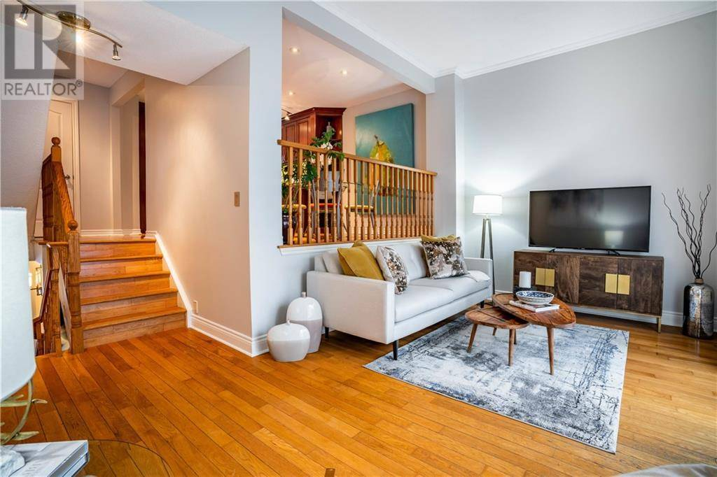 Townhouse for sale at 2274 Marine Dr Oakville Ontario - MLS: 30780575
