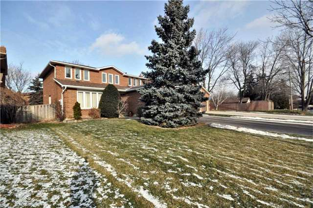 Sold: 2279 Beejay Court, Mississauga, ON