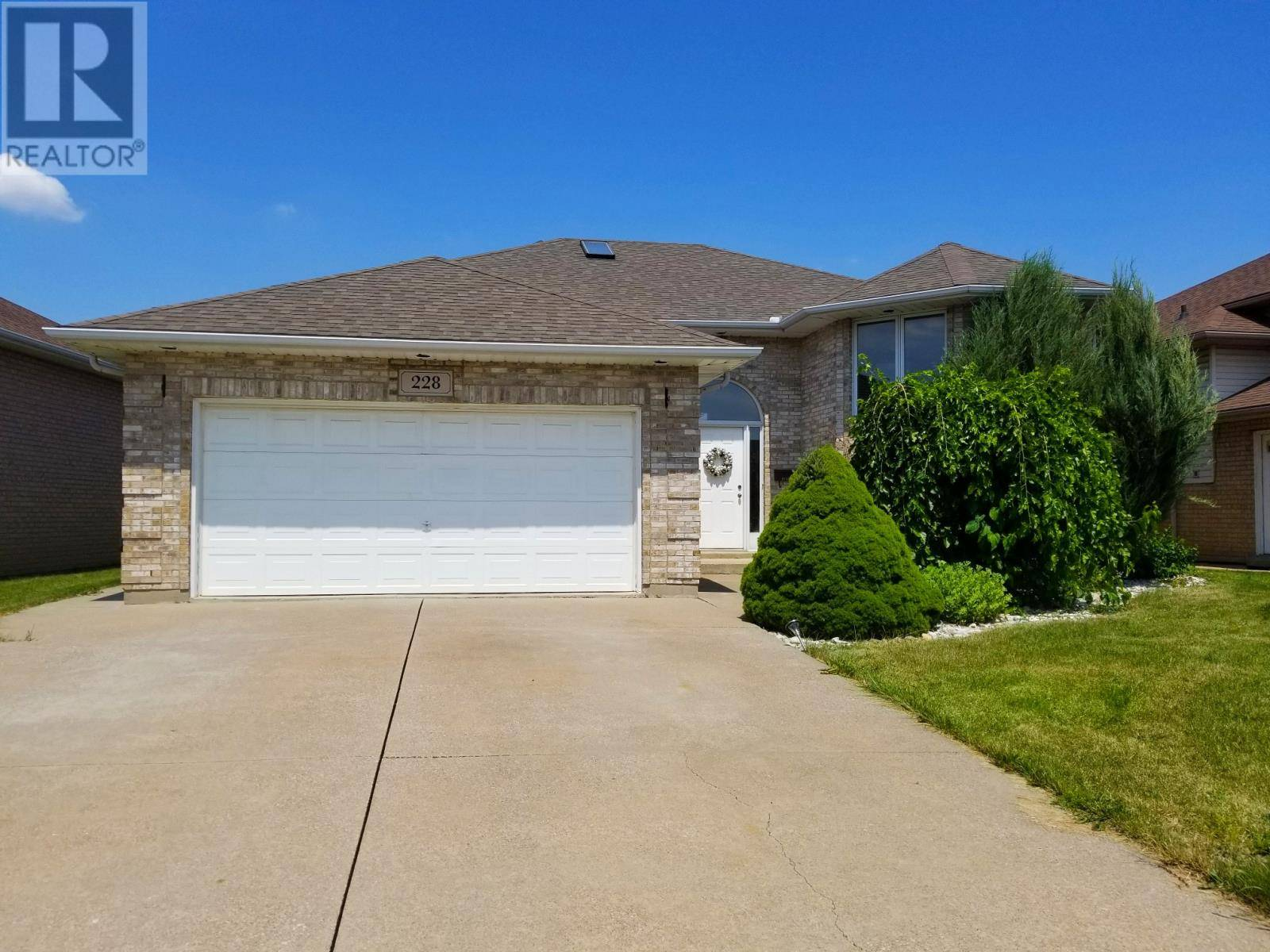 House for rent at 228 Kenilworth Pl Windsor Ontario - MLS: 19025582