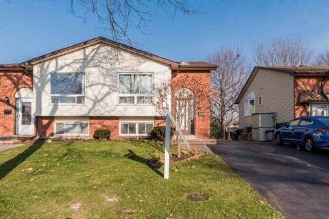 Townhouse for sale at 228 Medina Ct Oshawa Ontario - MLS: E4996530