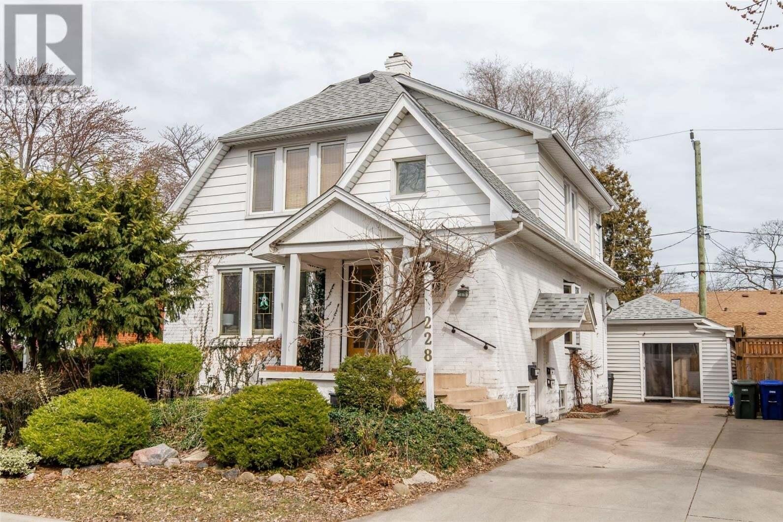 Townhouse for sale at 228 Prado  Windsor Ontario - MLS: 20006304