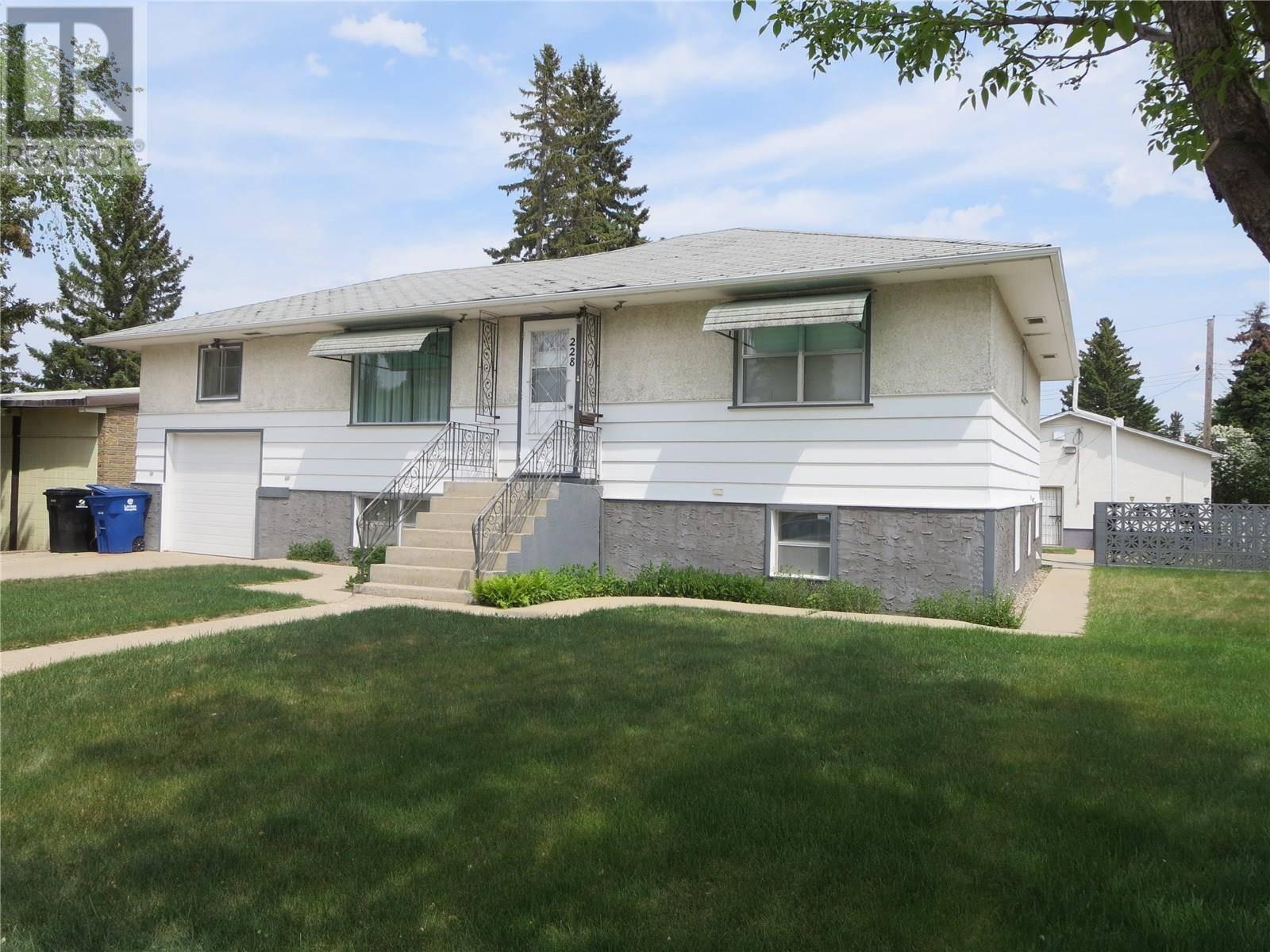 House for sale at 228 V Ave N Saskatoon Saskatchewan - MLS: SK787010
