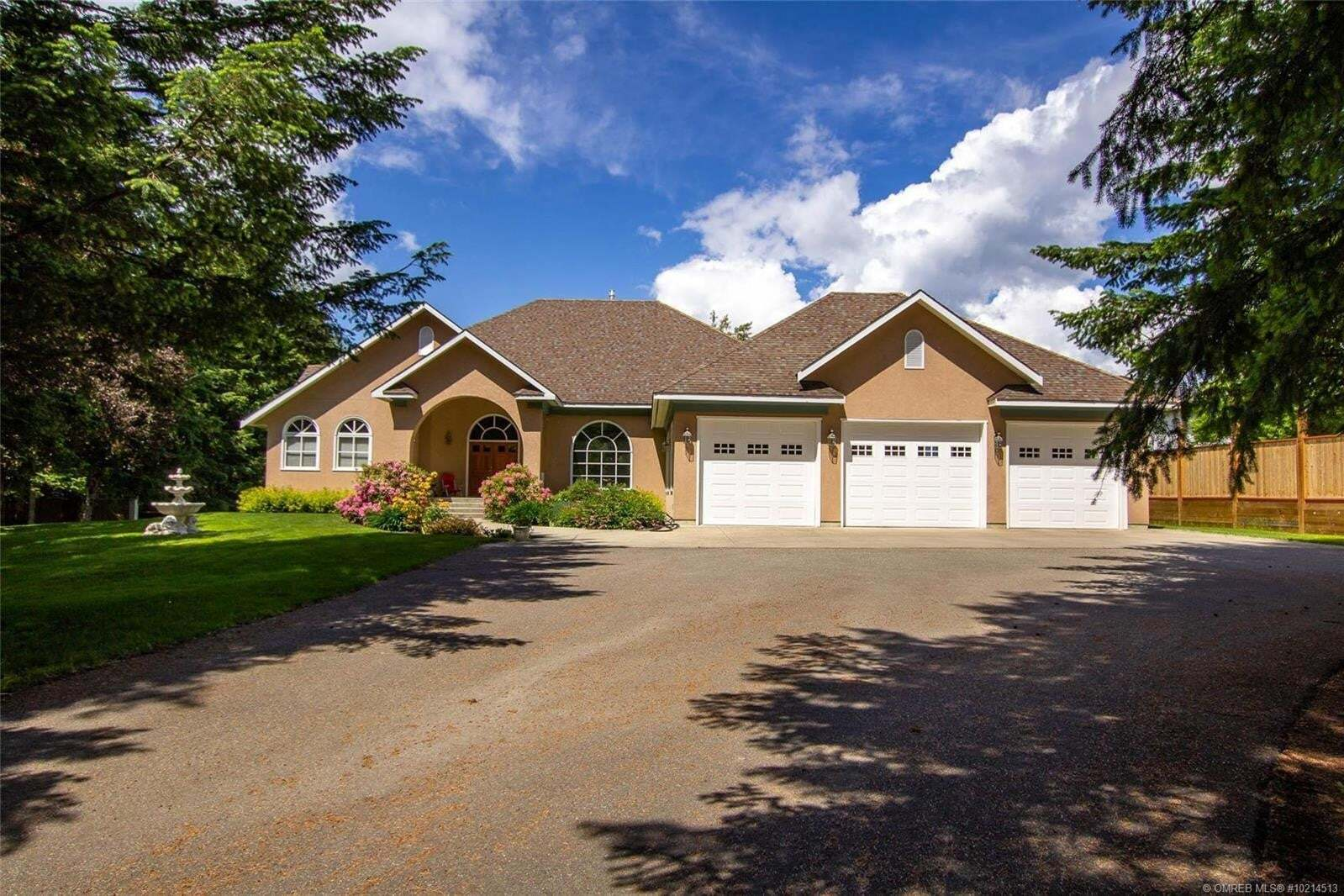 Home for sale at 2281 Auto Rd Southeast Salmon Arm British Columbia - MLS: 10214513