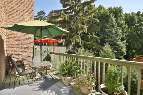 Condo for sale at 2284 Marine Dr Oakville Ontario - MLS: W4926895