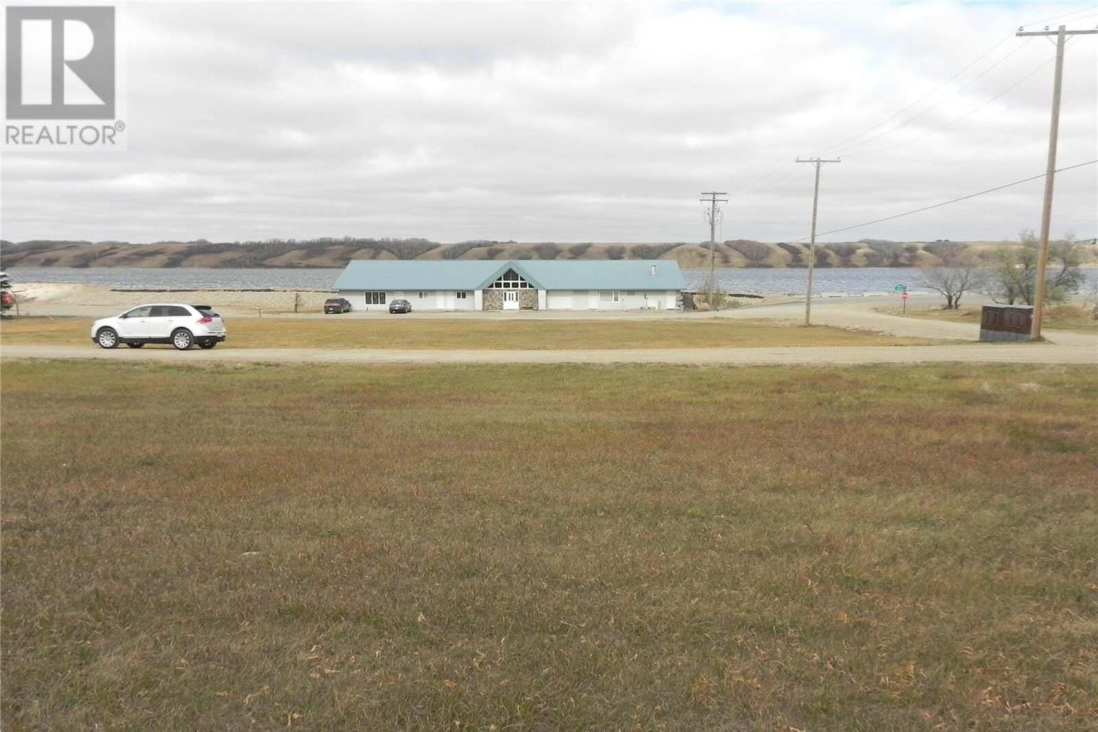 Residential property for sale at 229 Douglas Ave Manitou Beach Saskatchewan - MLS: SK830819