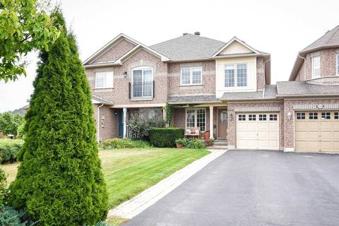 Townhouse for sale at 2298 Kingfisher Ct Oakville Ontario - MLS: W4549340