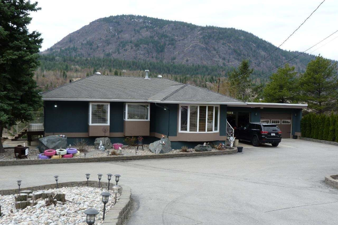 House for sale at 8245 Highway 22a Hy Unit 22a Trail British Columbia - MLS: 2451535
