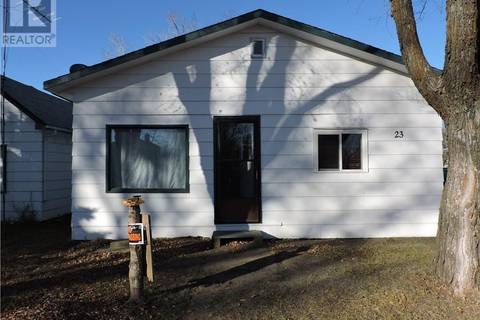 House for sale at 23 5th St SE Preeceville Saskatchewan - MLS: SK785880