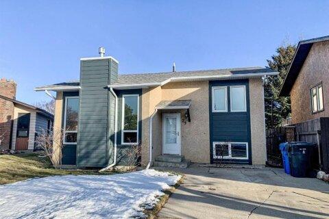 House for sale at 23 Beaverrun Pl N Lethbridge Alberta - MLS: A1057203