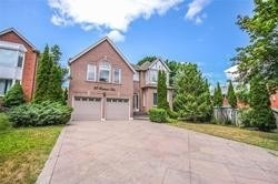 For Rent: 23 Brookeview Drive, Aurora, ON | 4 Bed, 3 Bath House for $4200.00. See 21 photos!