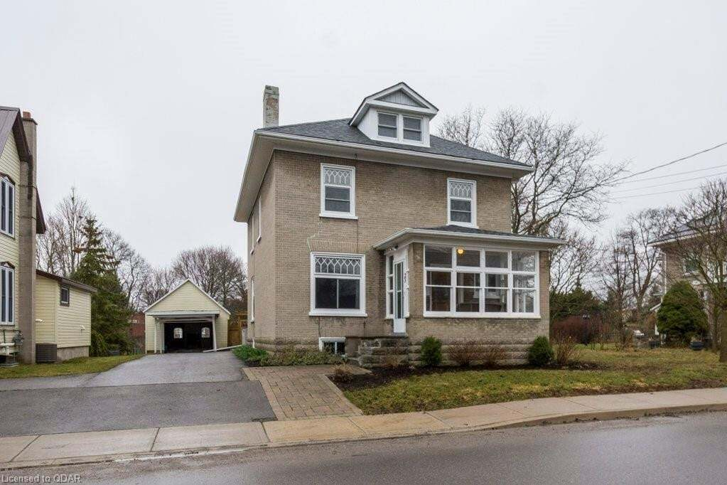 House for sale at 23 Centre St Prince Edward County Ontario - MLS: 252576