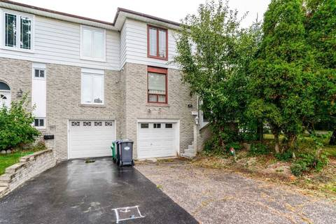 Townhouse for sale at 23 Charters Rd Brampton Ontario - MLS: W4718877