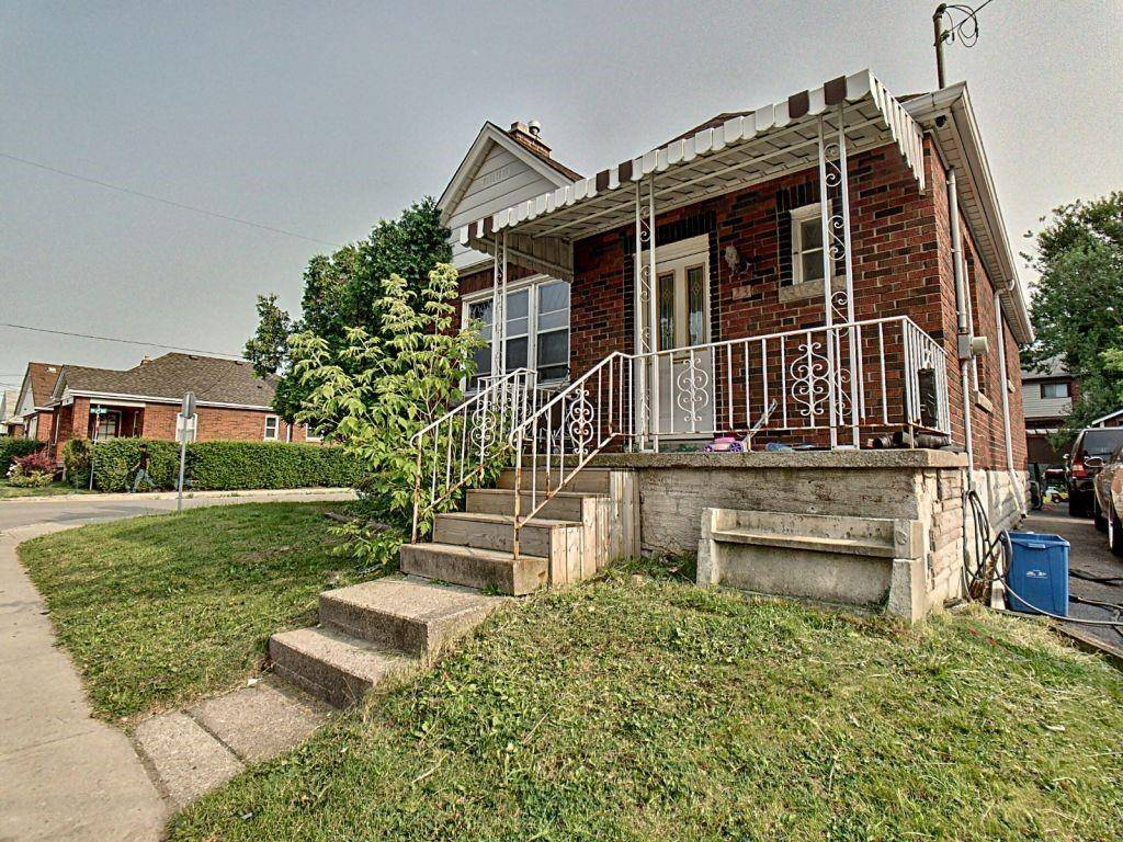 House for sale at 23 Fennell Ave W Hamilton Ontario - MLS: H4069129