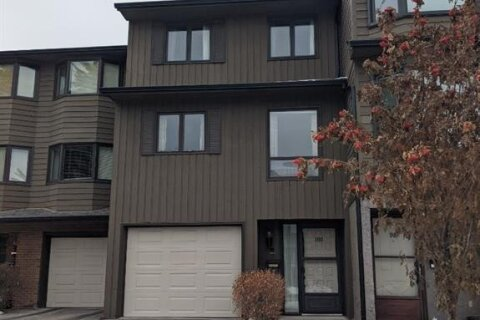 Townhouse for sale at 23 Glamis Dr SW Calgary Alberta - MLS: A1036767