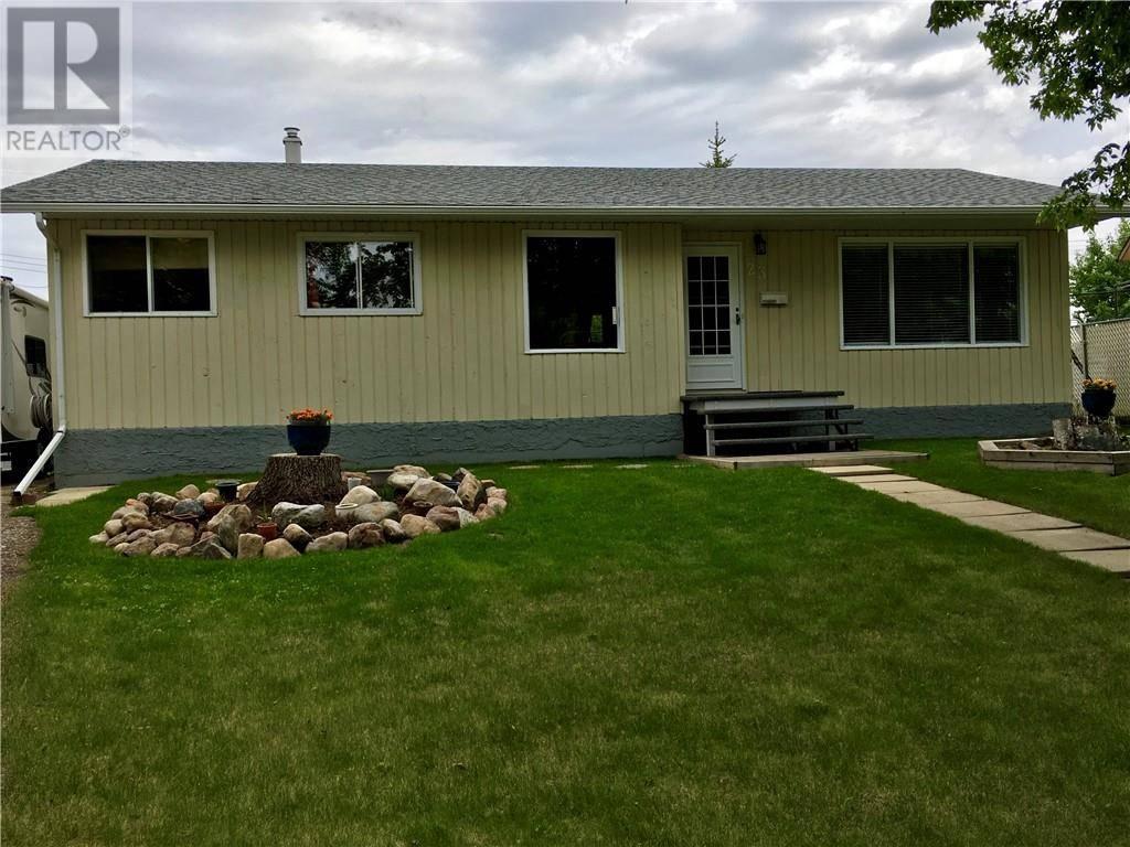 House for sale at 23 Grandview Cres Camrose Alberta - MLS: ca0190136