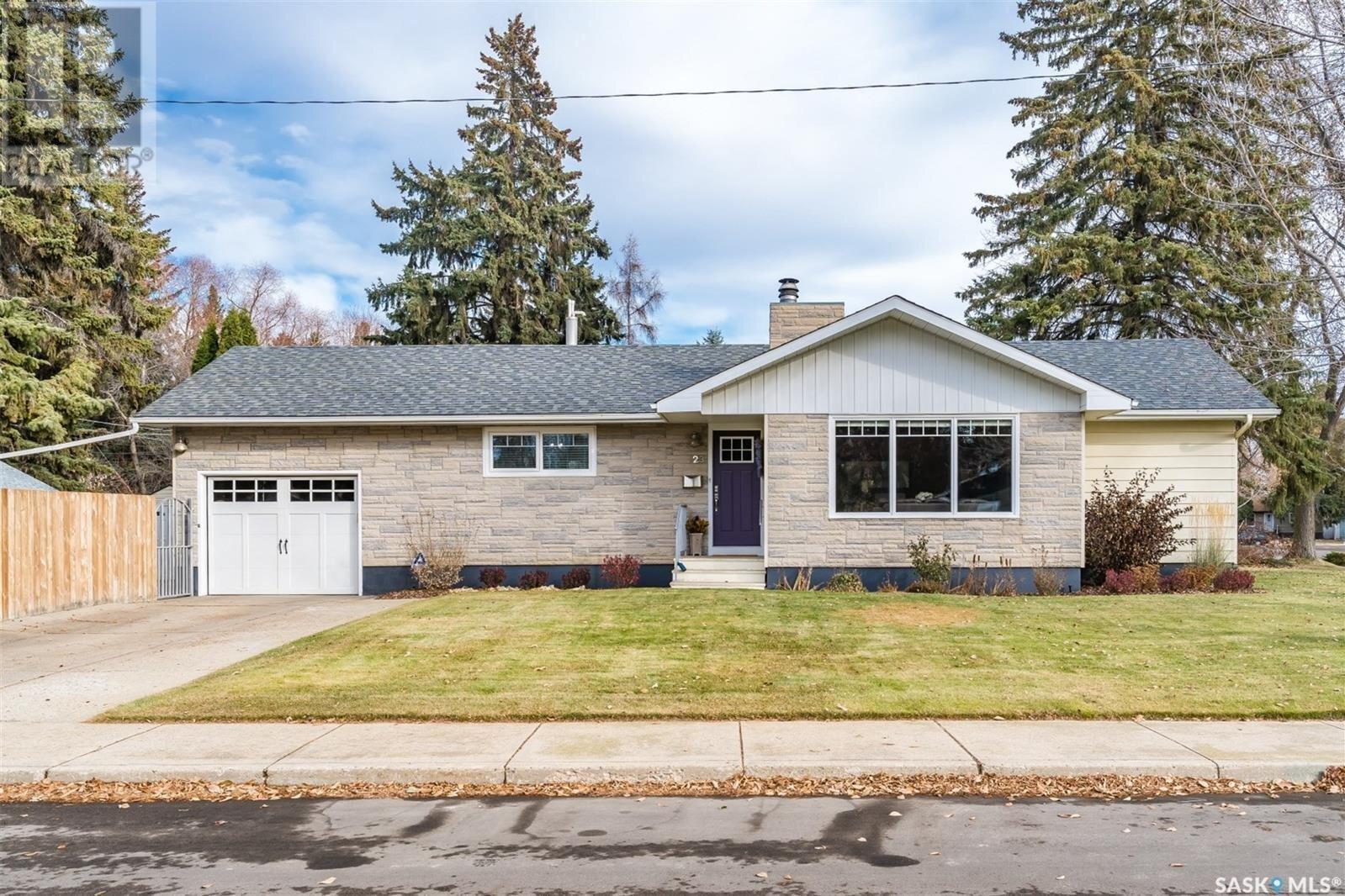 House for sale at 23 Norman Cres Saskatoon Saskatchewan - MLS: SK833424