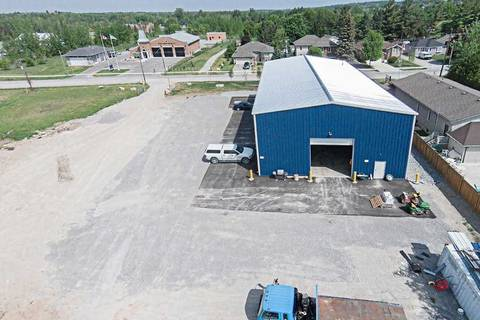Commercial property for lease at 23 Princess St East Gwillimbury Ontario - MLS: N4693750